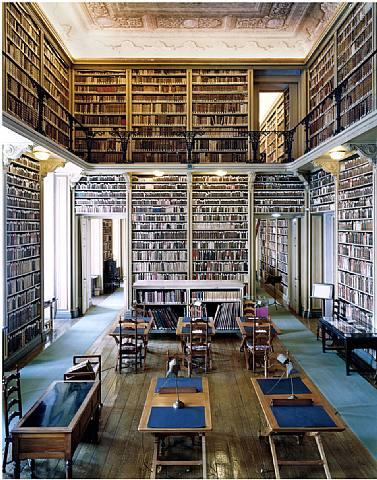 biblioteca-do-palacio-nacional-da-ajuda-lisboa-iii-2006.jpg