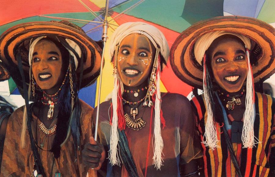 Culturas de Carol Beckwith y Angela Fisher