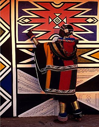 Ndebele-House-Painting-South-Africa-1996 Culturas de Carol Beckwith y Angela Fisher